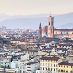 La fascinante mezcla de historia, cultura, arte y paisaje a la que va unida la fama universal de Toscana y de su capital, Florencia, es el resultado de vivencias milenarias que pertenecen a la civilización del mundo. Encarnación del ideal renacentista, Florencia es uno de los emblemas de la cultura y la identidad italianas. La...